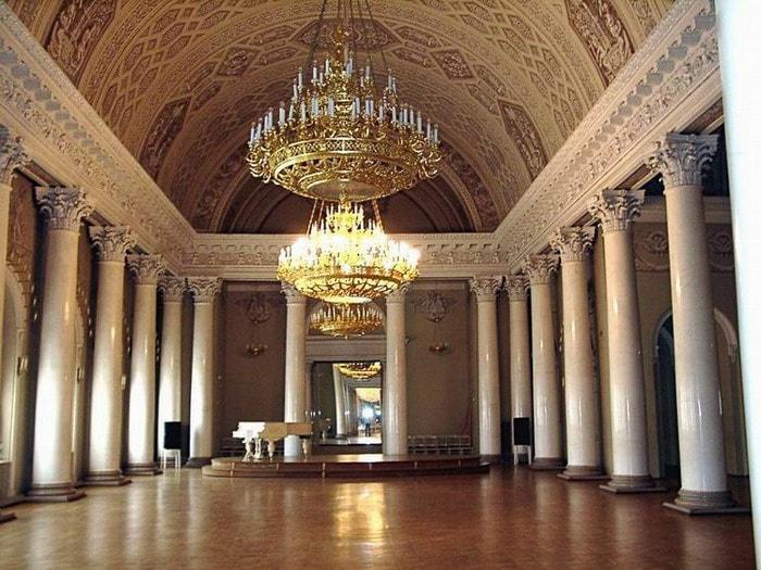 Праздничный зал Usupovskii-dvorec2